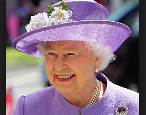 Welcome To Abujagist Queen Of England To Honour 4