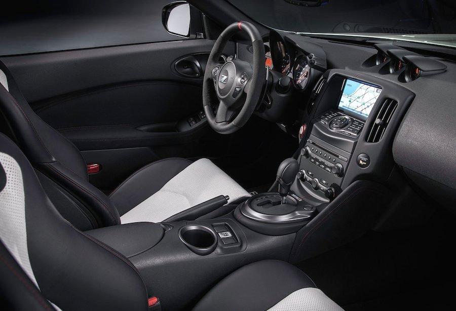 フェアレディZ 370Z NISMOロードスター