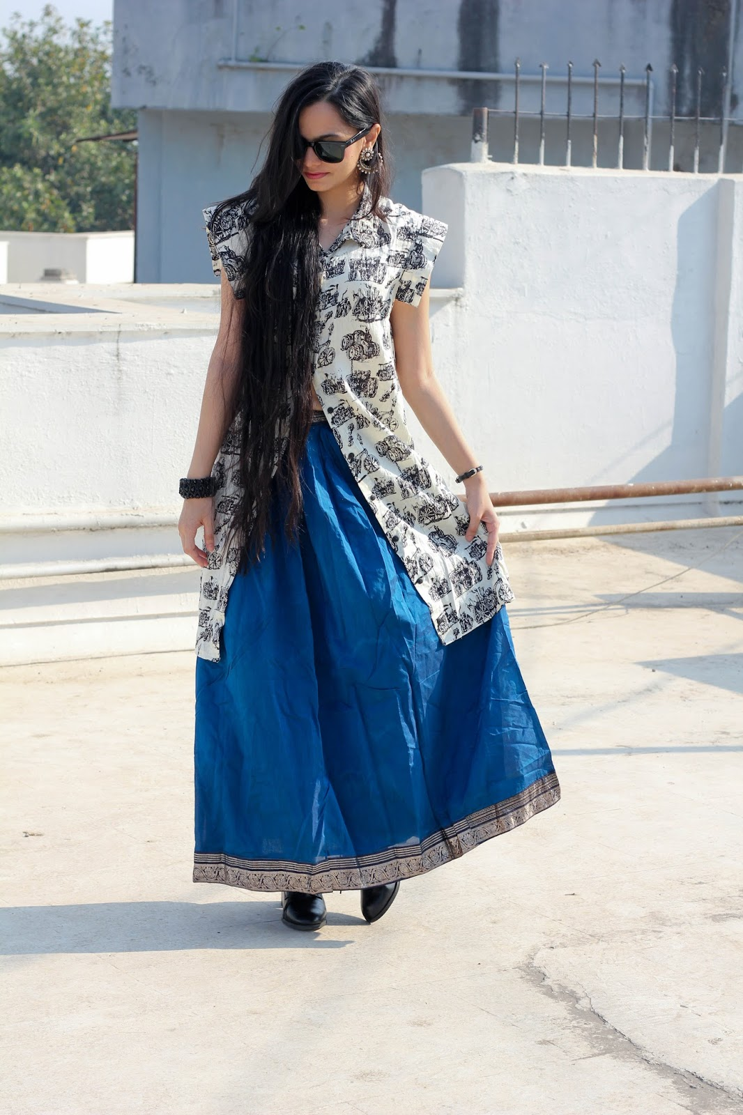 Indian Fashion Girl Dress Up