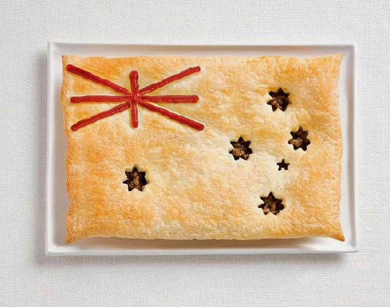 Australia - Meat pie, sauce