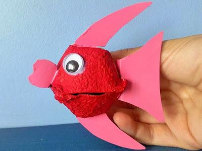 http://www.guiainfantil.com/articulos/ocio/manualidades/pez-globo-hecho-con-hueveras-manualidad-de-reciclaje/