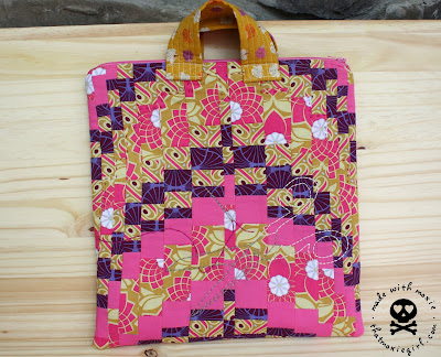 Best Bargello Bag Tutorial | A great bag for carrying all your stitching project and tools with you on the go!