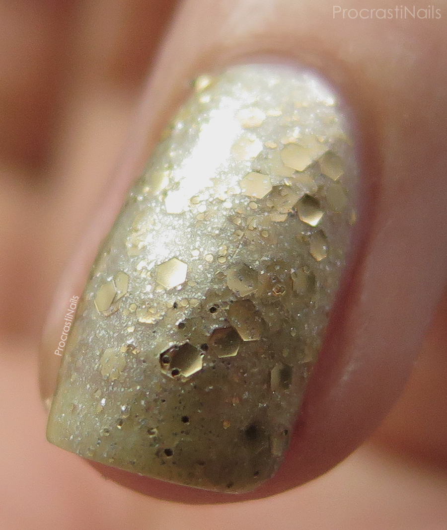 Macro swatch of Julep Vivien from the February 2015 Julep Maven Box