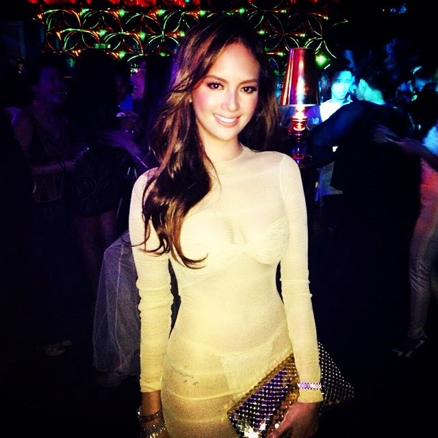 Ellen Adarna in luminous dress at Preview Ball 2014