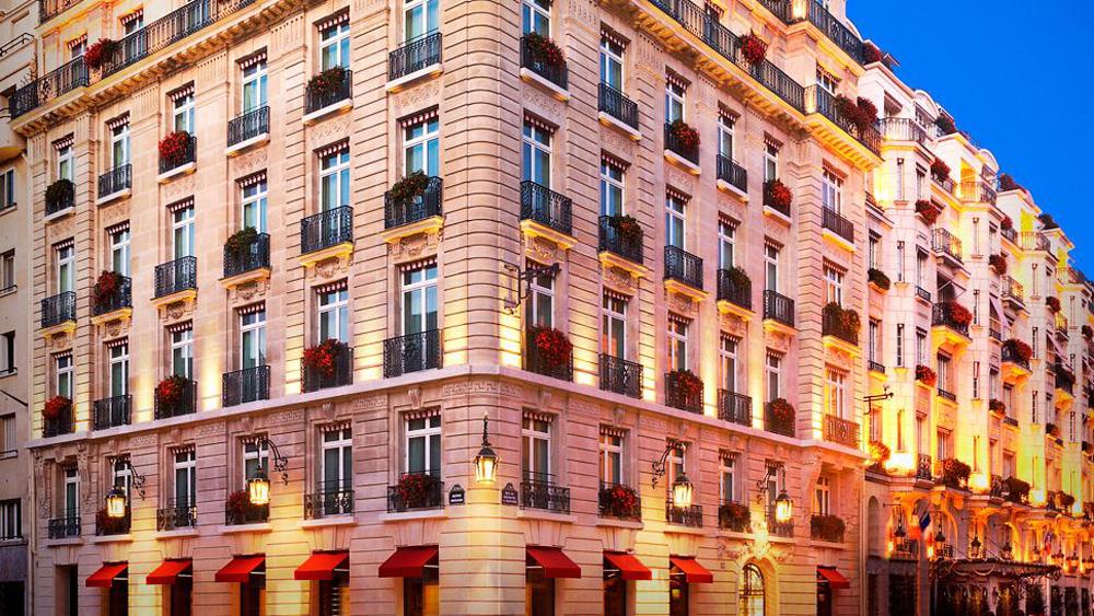 Passion for luxury hotel le bristol paris for Hotel le france