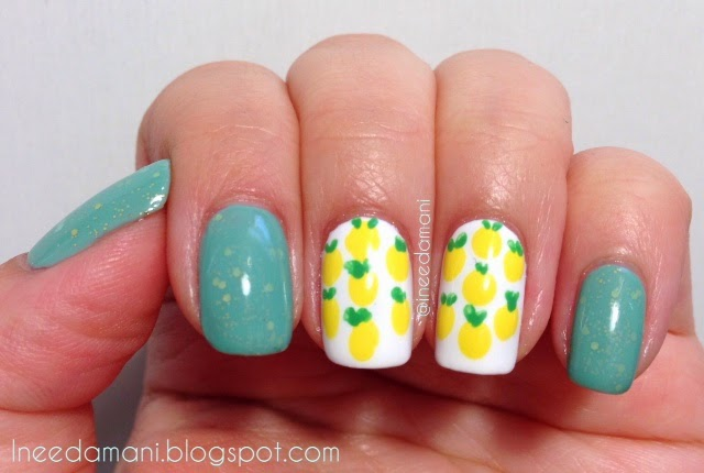 Essie Turquoise and Caicos jelly sandwich with lemon accent nails