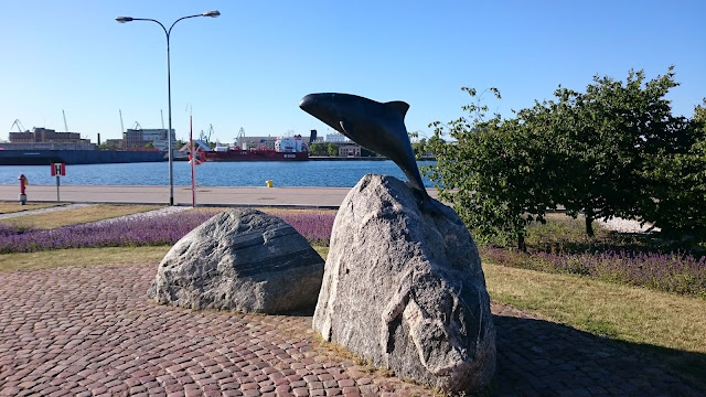 This is the harbor porpoise sculpture