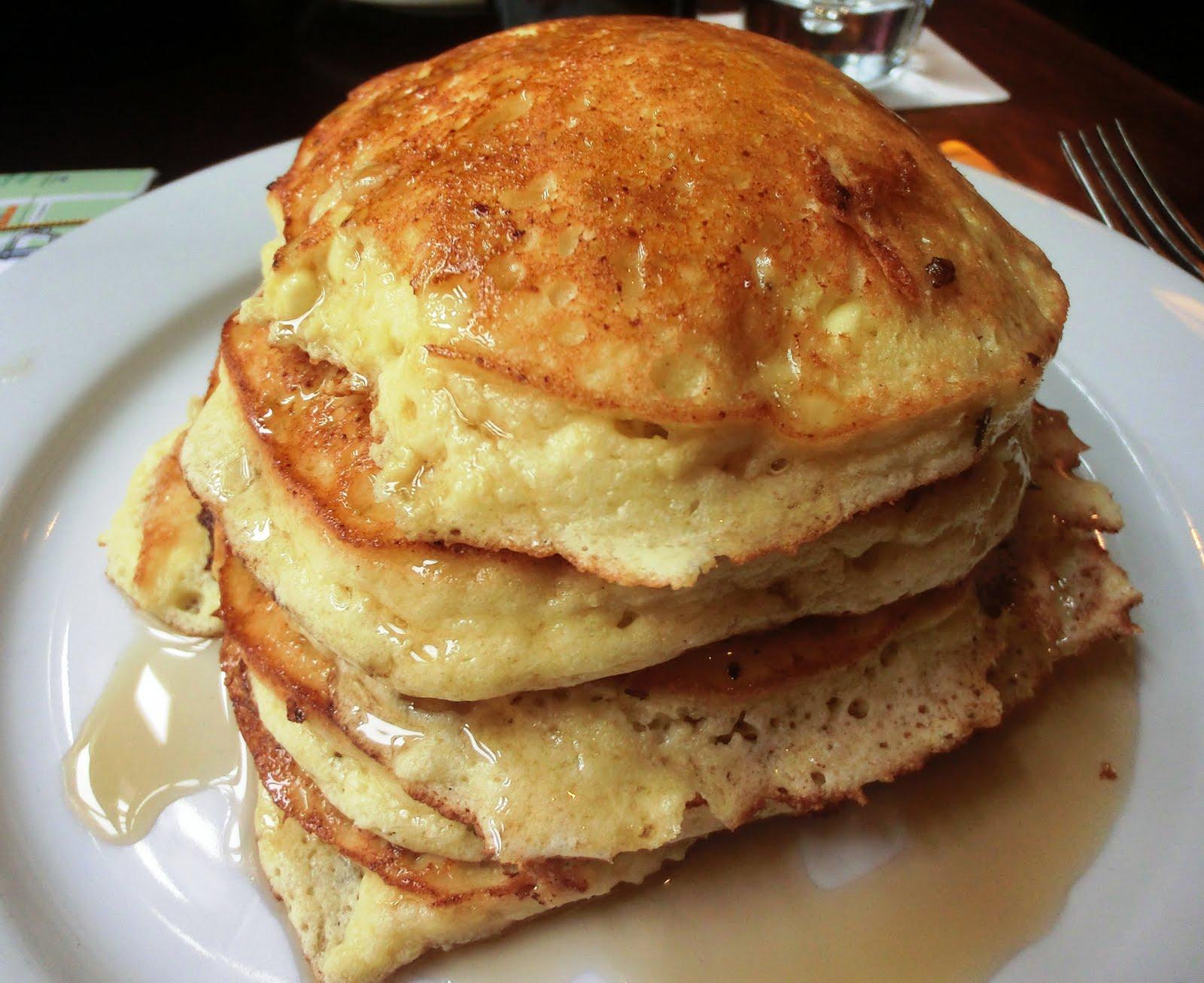 CupCakes and CrabLegs: Prairie Fire's Lemon Ricotta Pancakes