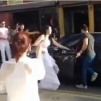 Namorada faz pedido de casamento surpresa e leva um fora no meio da rua