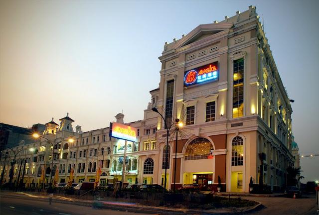 مطعم أنجكي رست  في جاكرتا