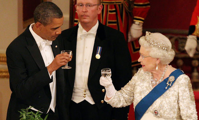 Queen Elizabeth and President Barack Obama