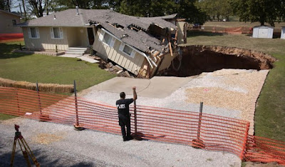 massive sinkholes around the world 05 Massive sinkholes around the world