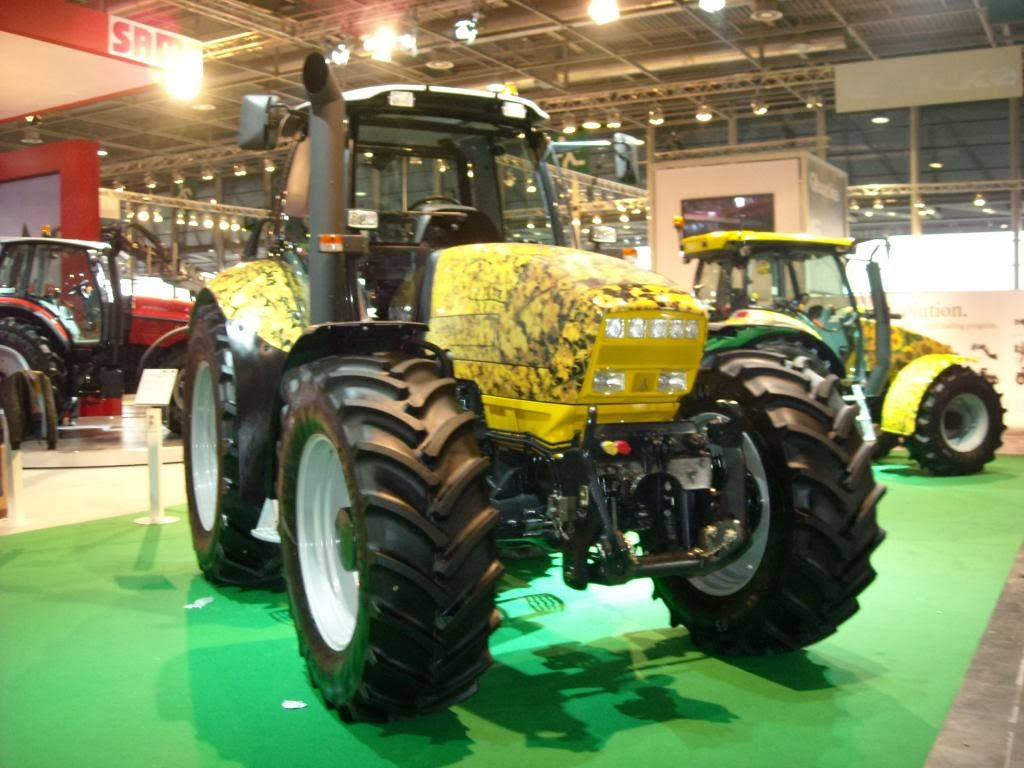 Tractors Farm Machinery Deutz Fahr Agrotron M Natural Power Fuel Filters The Key Is That Cools Injection Pumps With Engine Oil Whereas Competitors Use Diesel New Needs Extra And Valves