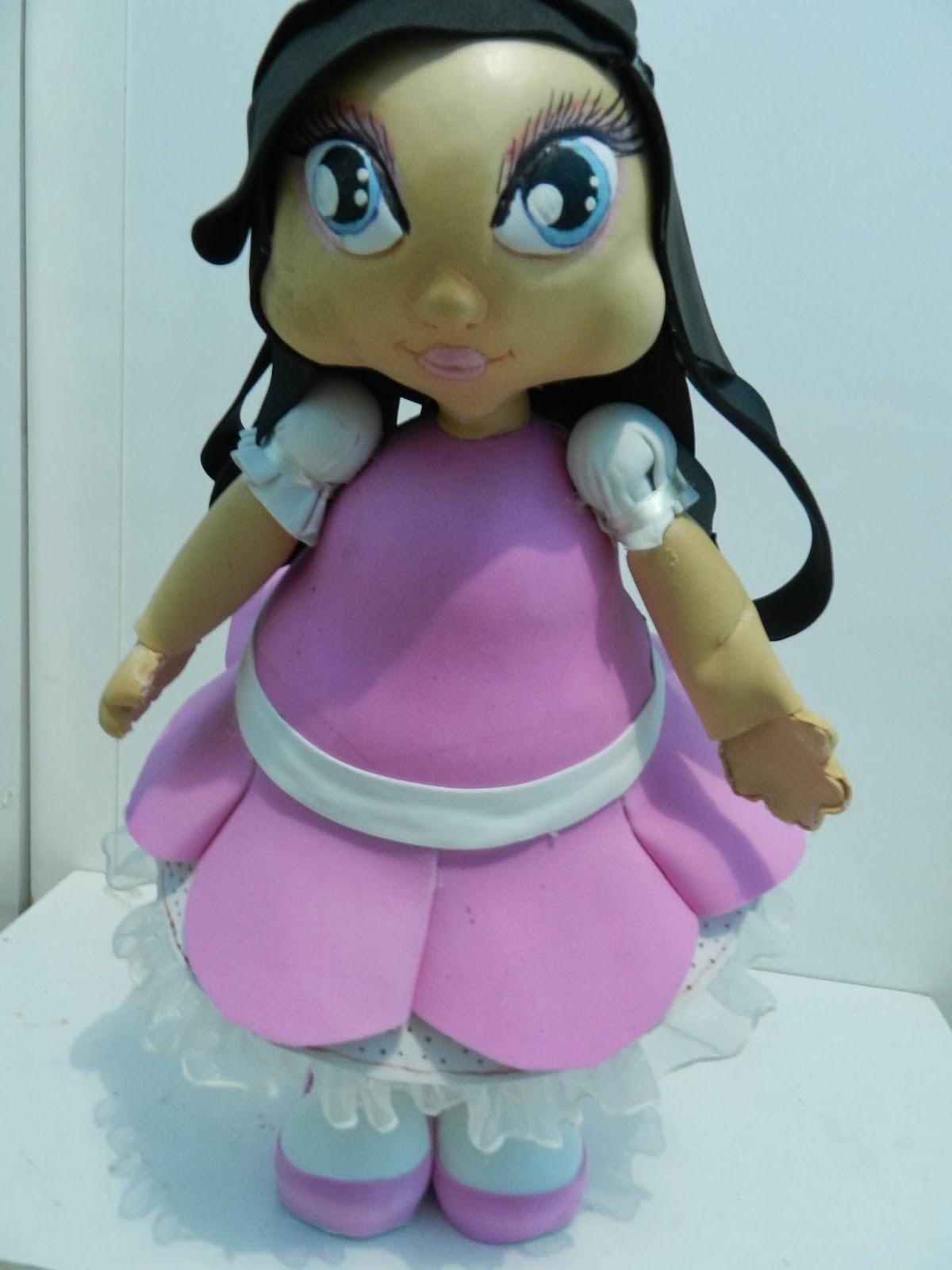 Boneca 3D de EVA inspirada na Jolie