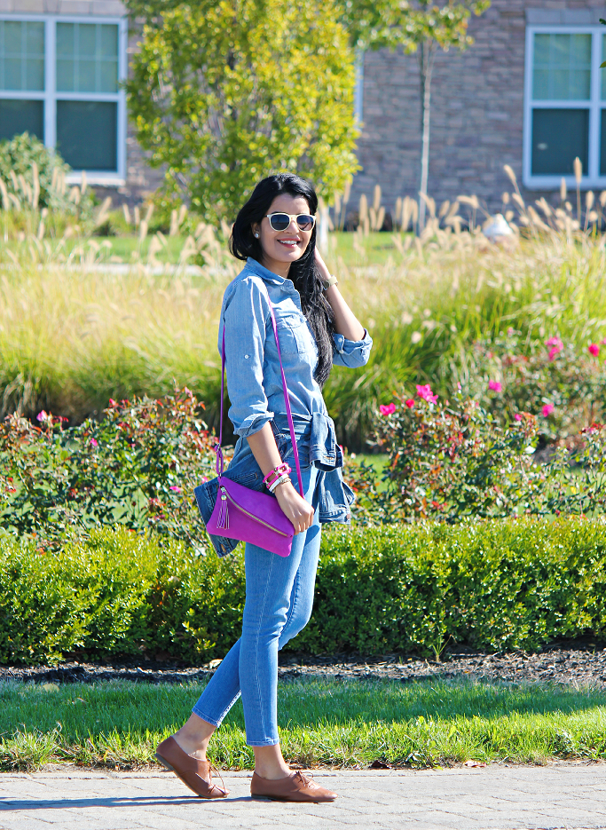 Denim on denim look, How to wear Chambray with jeans, Chambray shirt with blue jeans, Hot Pink cross body bag