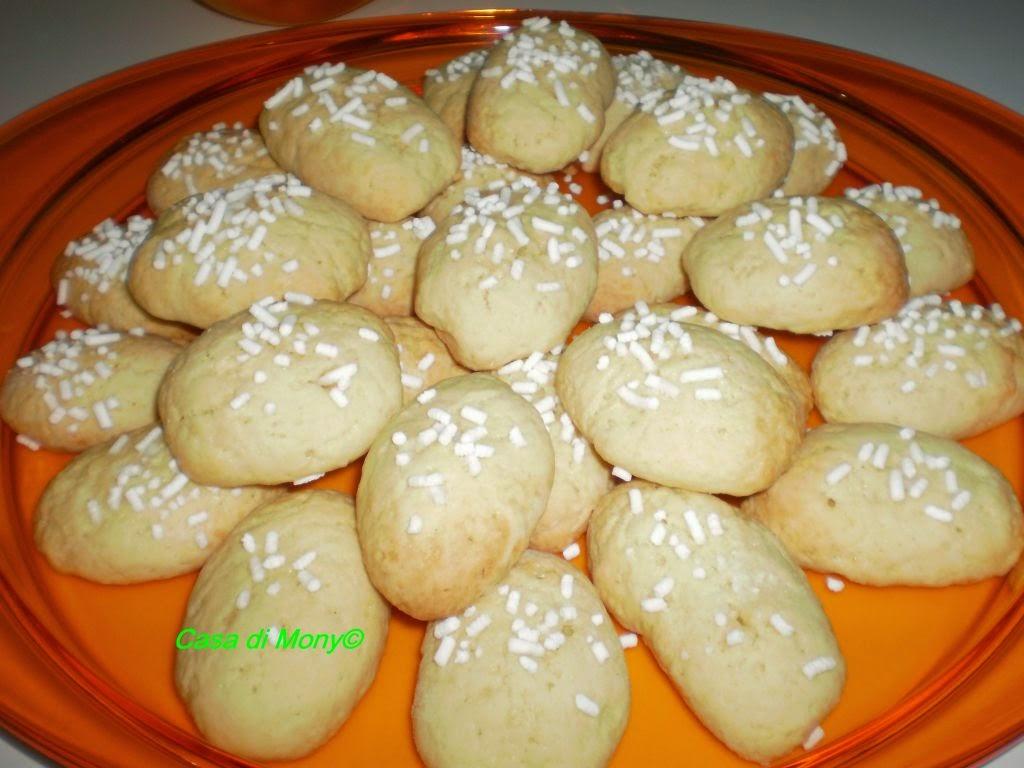 biscotti alla granella di zucchero