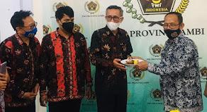 Memaknai Tumpeng HPN 2021 PWI Jambi