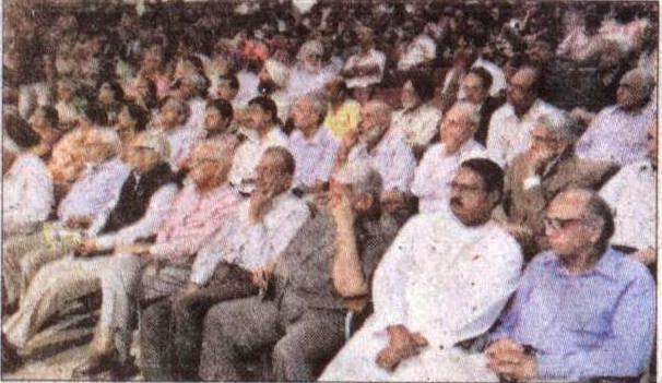 पंजाब यूनिवर्सिटी के 132वें स्थापना दिवस के अवसर पर उपस्थित पूर्व सांसद सत्य पाल जैन व अन्य