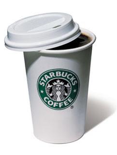 Vaso de papel con café
