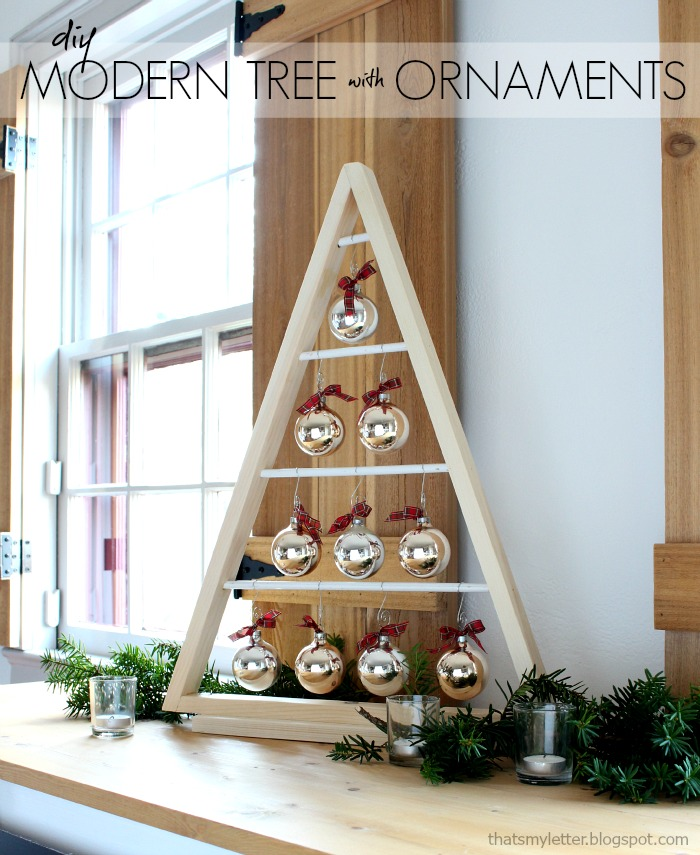 Bake craft sew decorate diy modern tree with ornaments for Modern holiday decorations for home