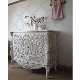 Mebel Klasik bufet ukir jepara french cabinet finishing cat duko putih