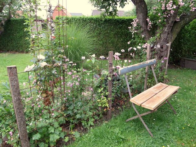 Heidis have: haven som voksen legeplads ......