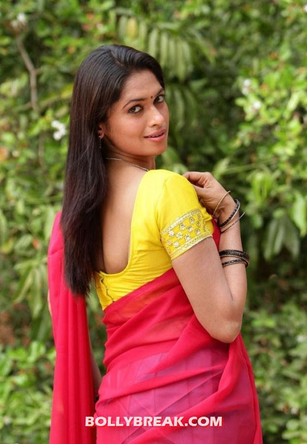 Soundarya yellow top red sari - Soundarya super HoT Photo SHoot