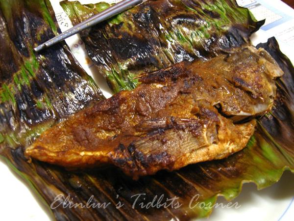 Elinluv's Tidbits Corner: Grilled Fish Wrapped In Banana Leaf