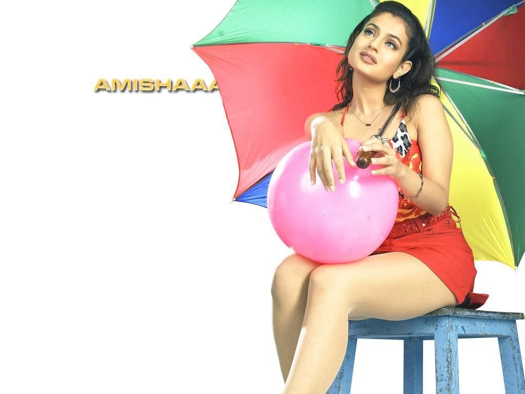 http://3.bp.blogspot.com/-Q2bPQsLuNpY/TdpBfW8CHbI/AAAAAAAAA1s/qmyYfSTMq3E/s1600/Amisha.JPG