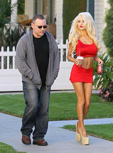 Courtney-Stodden-dan-Doug-Hutchison