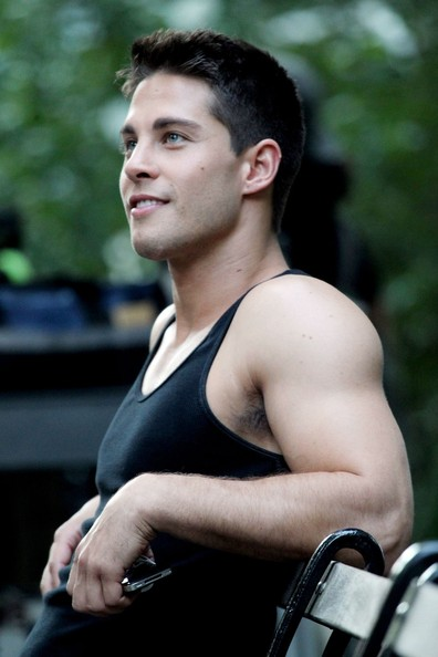 BARING THE SKIN: Glee: Meet Brody Weston