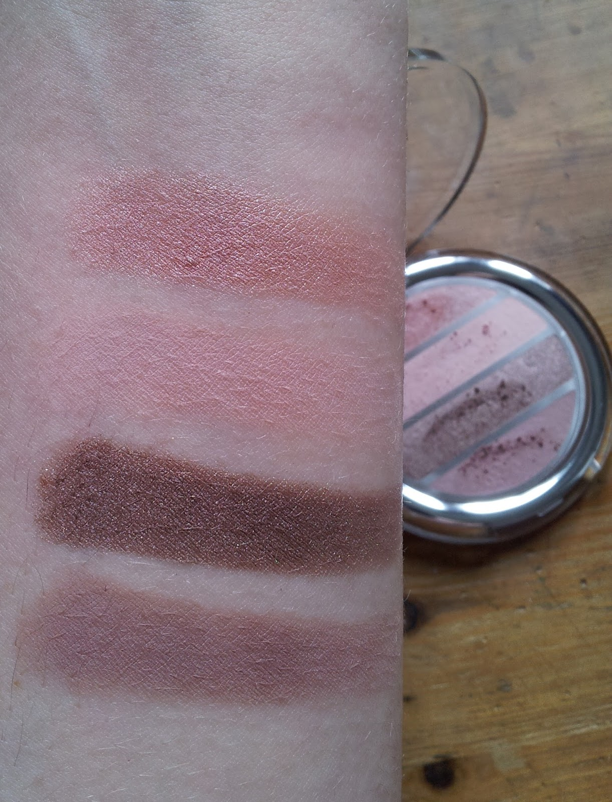 "Swatches p2: Shades of nude eye shadow palette ""020 bright nude"""
