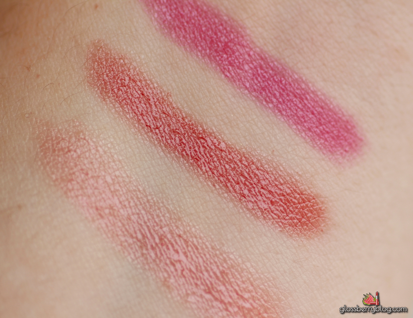 Bourjois Colour Boost Lip Crayon  - Proudly Naked, Sweet Machiato, Pinking Of It 09 08 07 review swatches comparison fuchsia libre new colors stain glossy chubby swatch recommendation המלצה צ'אבי בורז'ואה בורג'ואה שפתון בלוג איפור וטיפוח Glossberry blog גלוסברי