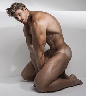 Nude Poser