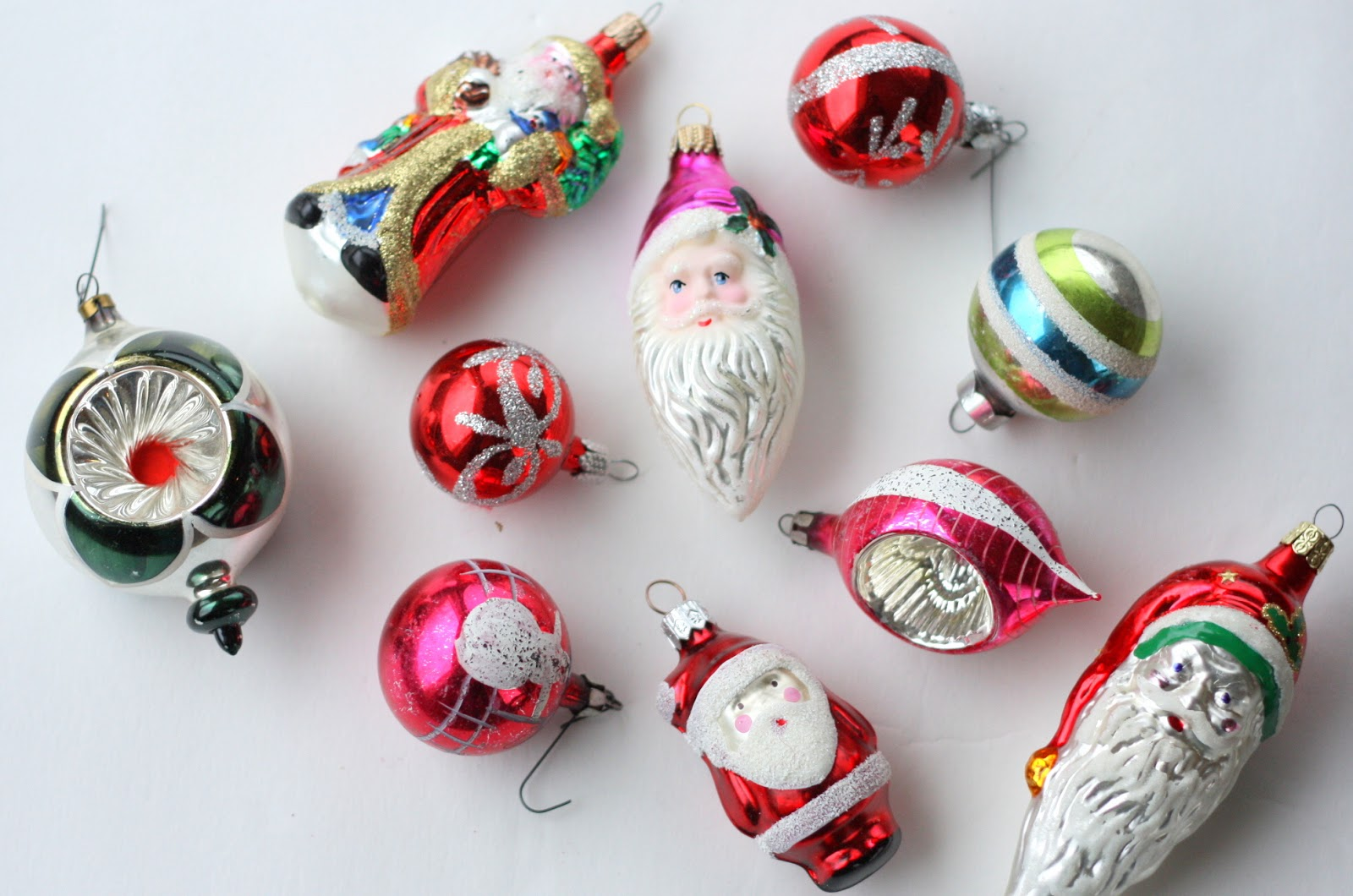 Christmas ornaments glass - Vintage Christmas Glass Ornaments And Illustrations
