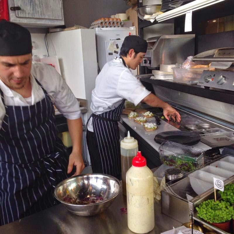 working in a melbourne cafe einsteins