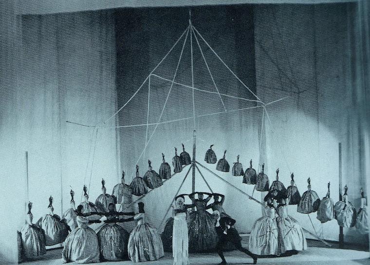 TCHELITCHEV, Pavel. Cenários para Ode (1928).