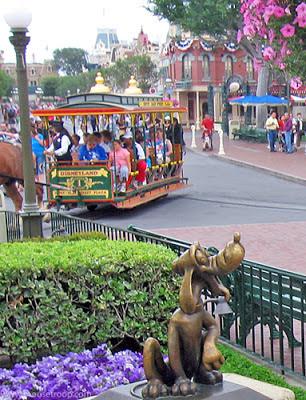 Disneyland Pluto Statue bronze Central Plaza park hub Horse