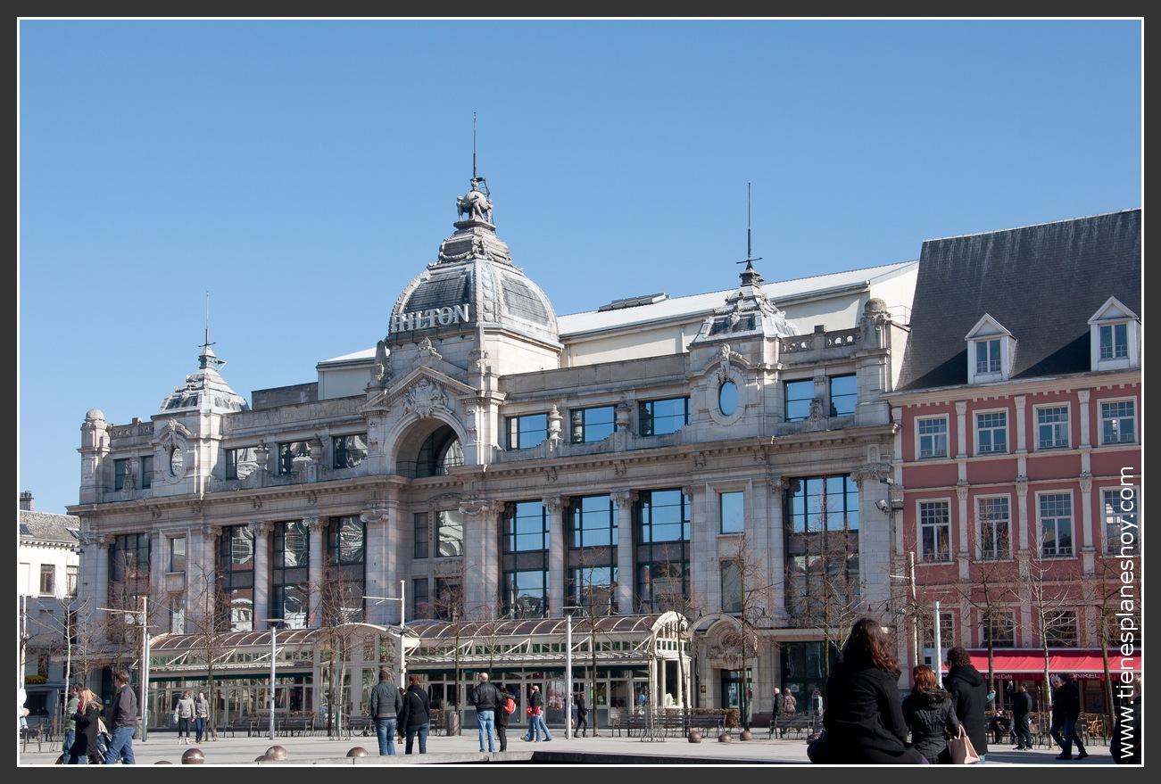 Plaza Groenplaats Amberes