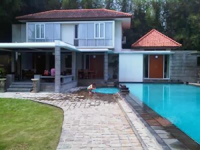 sewa villa di puncak sewa villa puncak kolam renang pribadi