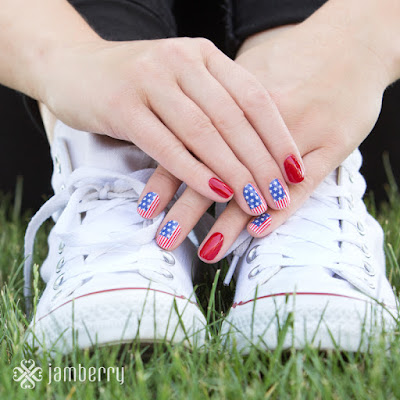 http://www.artsyfartsynails.jamberrynails.net/product/star-spangled#.VX69cfnBzRY