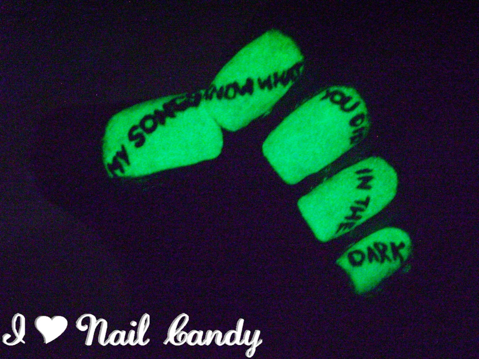 I Love Nail Candy: The 31-Day Nail Challenge: Day 4 - Green Nails