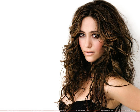 Hollywood Actress Emmy Rossum Wallpaper in Black