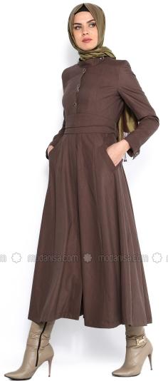 Trend Baju Muslim Wanita untuk Kerja