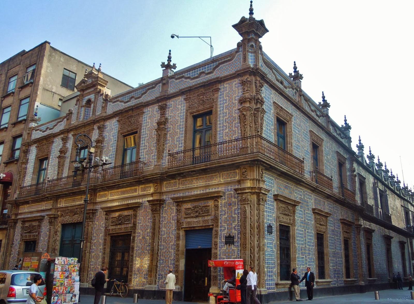Mexique terre maya c te cara be mexico ville de la for Casa de los azulejos puebla
