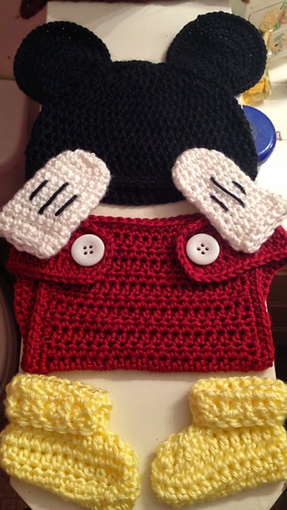 Free Crochet Pattern For Baby Minnie Mouse Outfit : Crochet For Children: Mickey Mouse baby outfit... Free ...