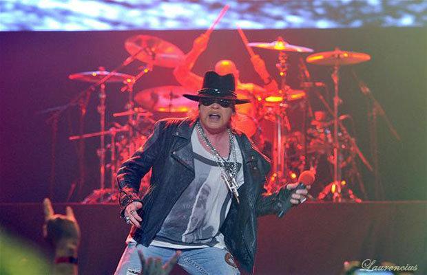 Foto-konser-Guns-N' Roses-di-Meis-Ancol_4