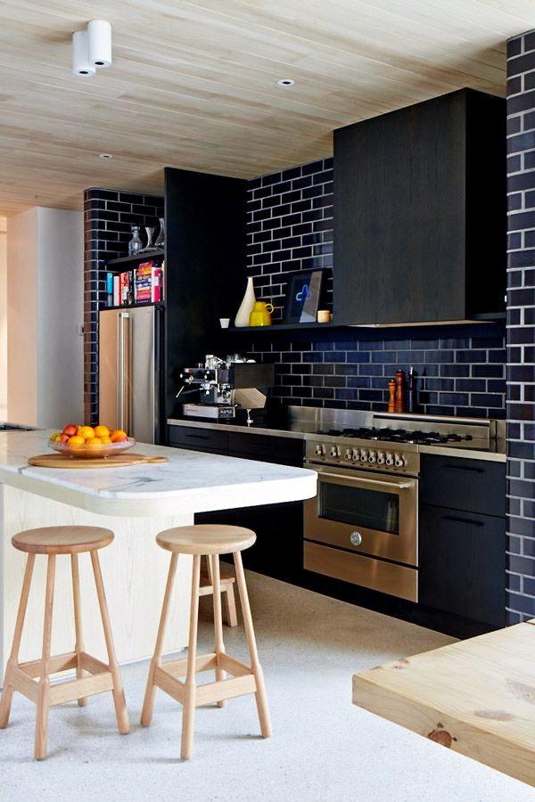 Cocinas negras elegantes cl sicas modernas grandes for Cocinas modernas negras