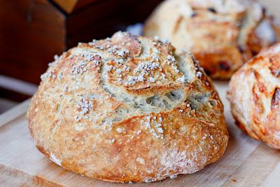Easy Peasy Rustic Bread//Peanut Butter & Dill Pickles Blog