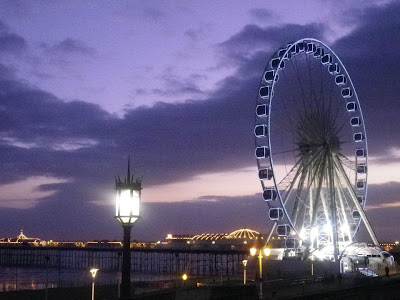 Brighton ruota panoramica di notte